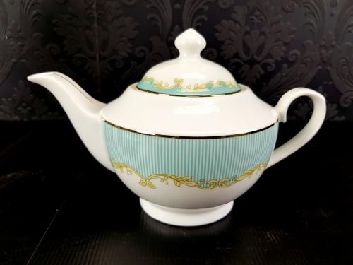 KLC-185 - Blue / white pinstripe teapot